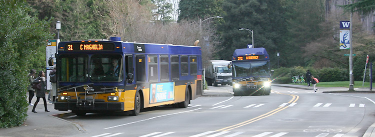 metro king county buses on stevens way